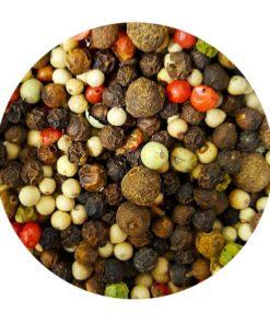 Poivre cinq baies : noir,blanc, vert,rose, piment de Jamaïque